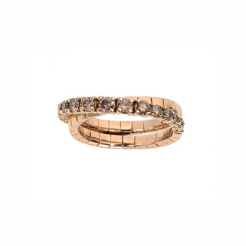 Alliance double anneau en or rose 18 carats demi-pavée de diamants bruns sertis avec des sertis griffes.
