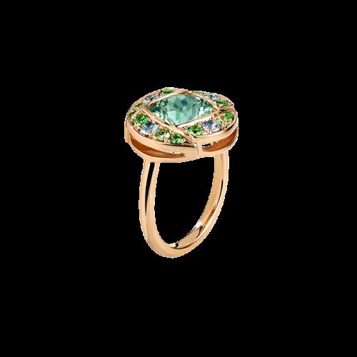 Bague demi-lune en or rose 18 carats, sertie d'une très belle tourmaline ronde couleur vert menthe claire, entourée de 12 pierres fines : des tsavorites et aigue-marines.